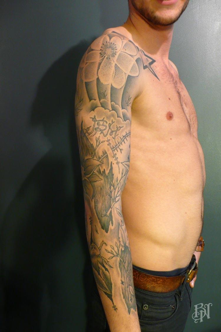 Jeykill bleu noir tattoo paris bleu noir tattoo for Salon tattoo paris