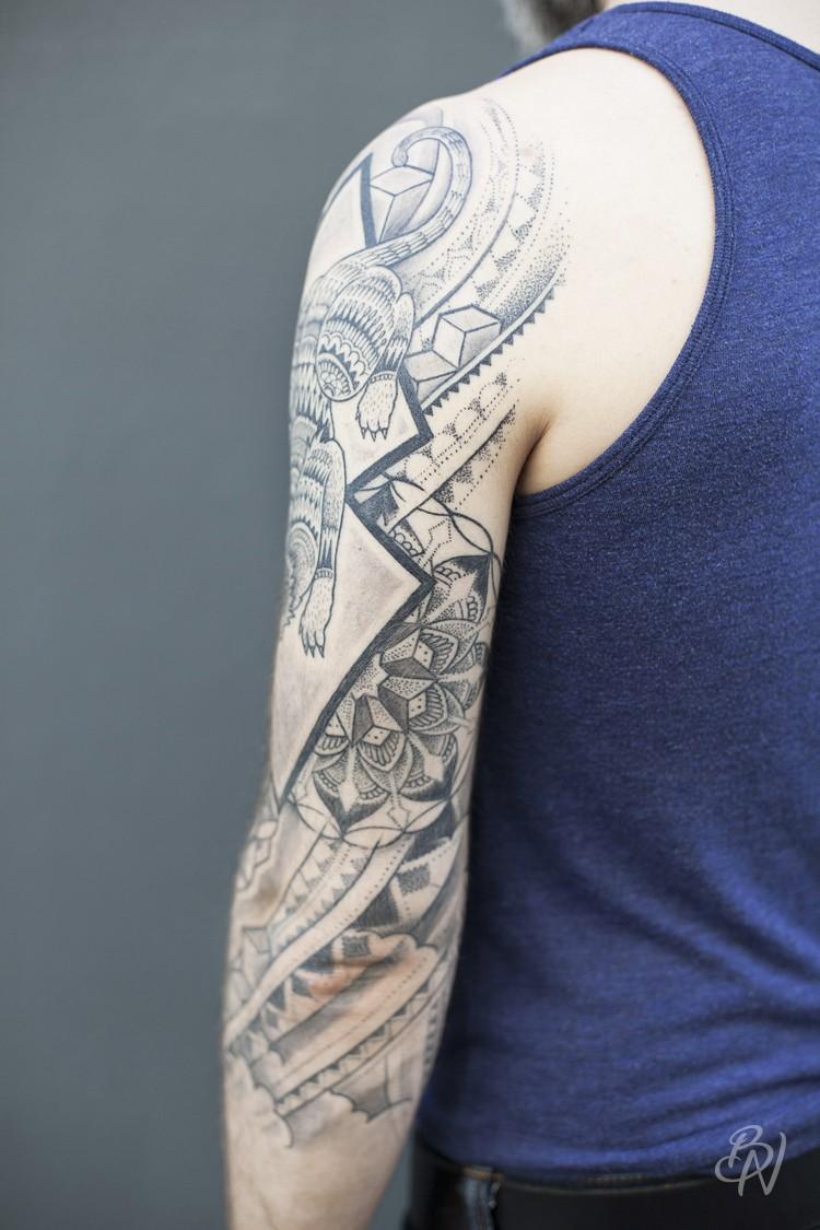Bleu-noir-jeykill-tattoo-03