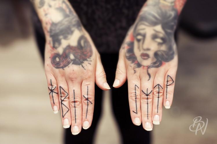 bleu-noir-paris-tattoo-art-shop-grace-neutral-guest-7