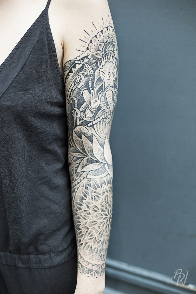 Jeykill-bleu-noir-tattoo-art-shop-abbesses-02-