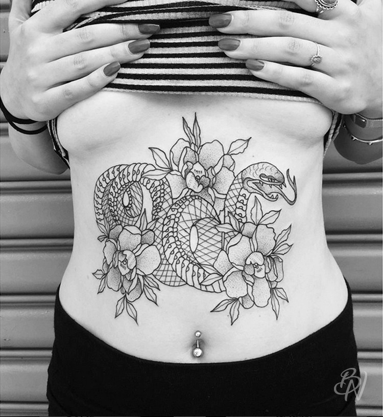 Bleu-noir-paris-tattoo-artshop-abbesses-Lilly-anchor-04