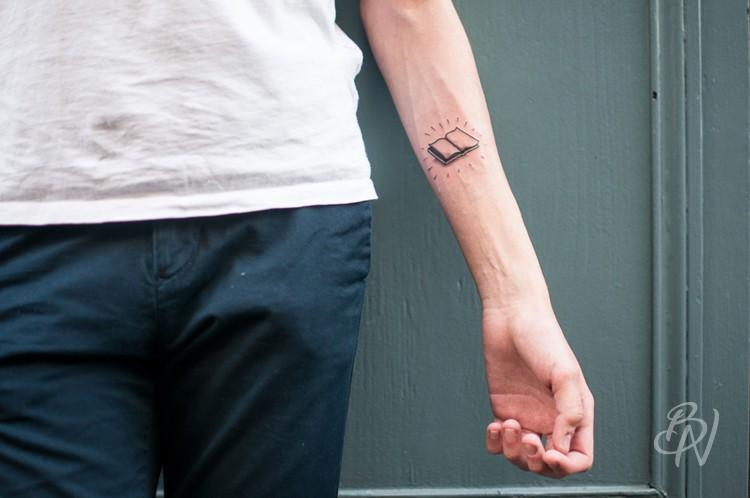 Bleu-noir-tattoo-art-shop-paris-abbesses-Veenom-04