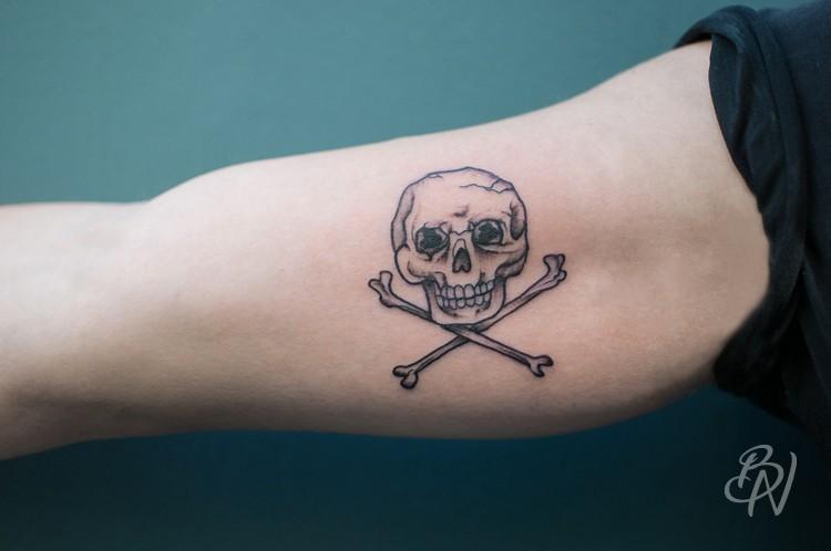 Bleu-noir-tattoo-art-shop-paris-abbesses-Veenom-26