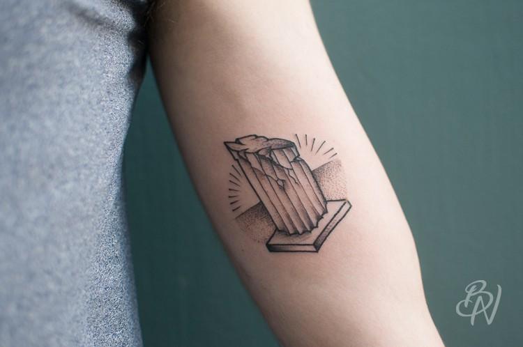 Bleu-noir-tattoo-art-shop-paris-abbesses-Veenom12