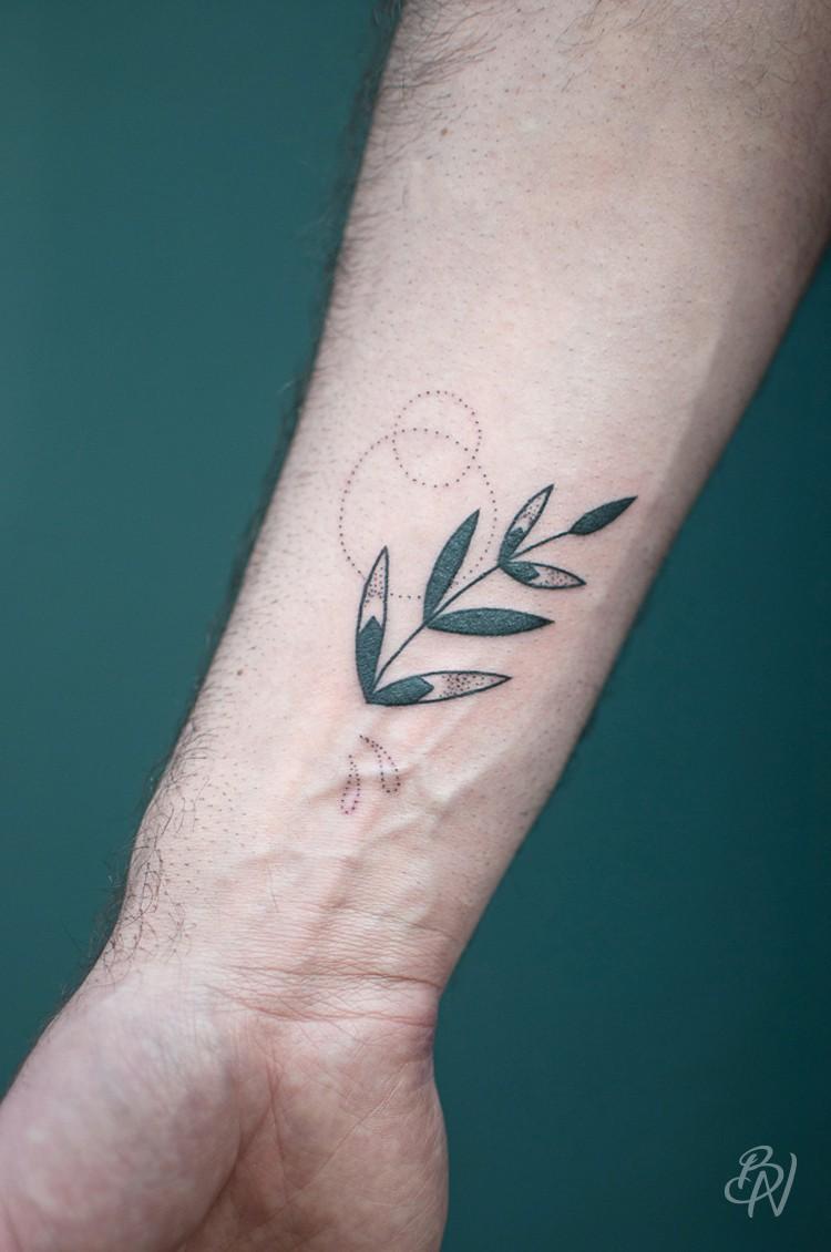 Bleu-noir-tattoo-art-shop-paris-abbesses-Violette-06