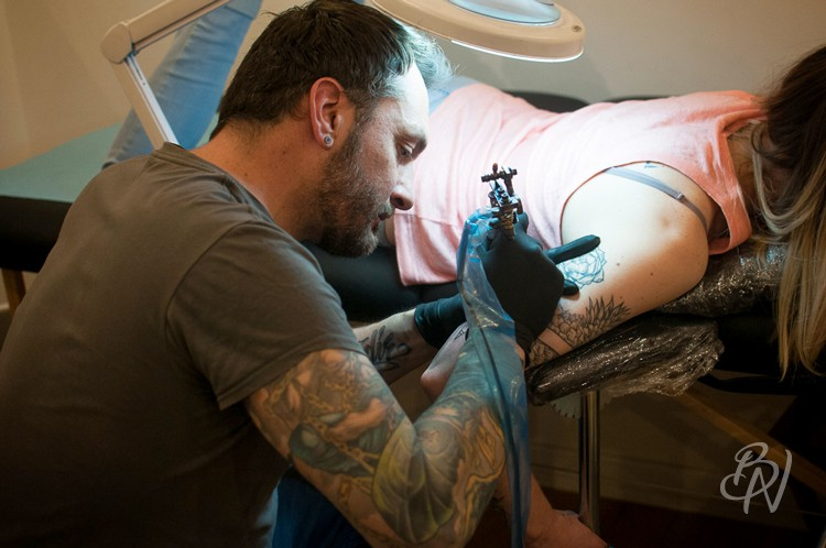 Bleu-noir-tattoo-art-shop-paris-abbesses-doberman-21