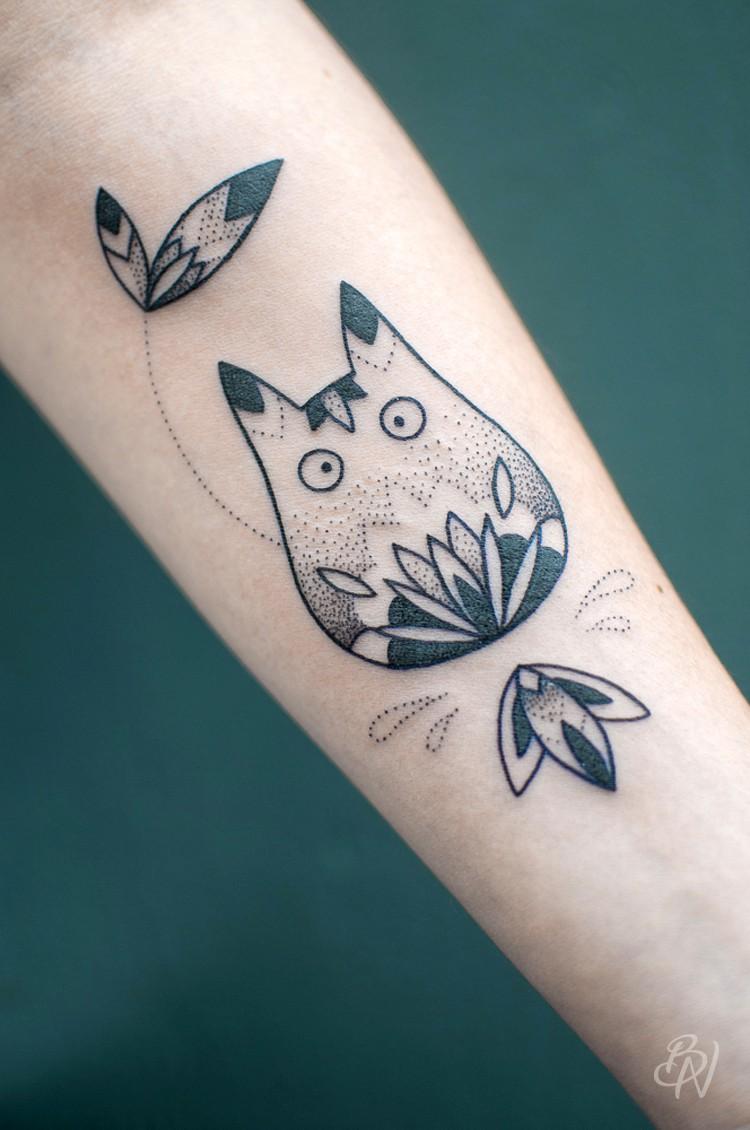 Bleu-noir-tattoo-art-shop-paris-abbesses-violette-07