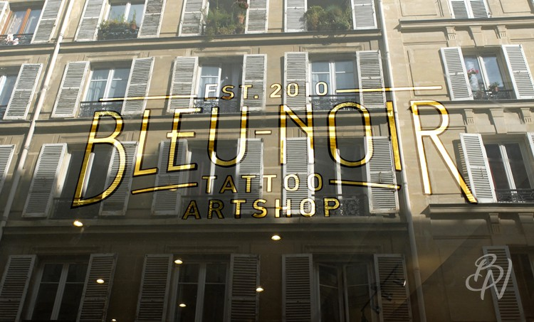 Bleu-noir-paris-tattoo-art-shop-abbesses-en-plein-coeur-supakitch-08