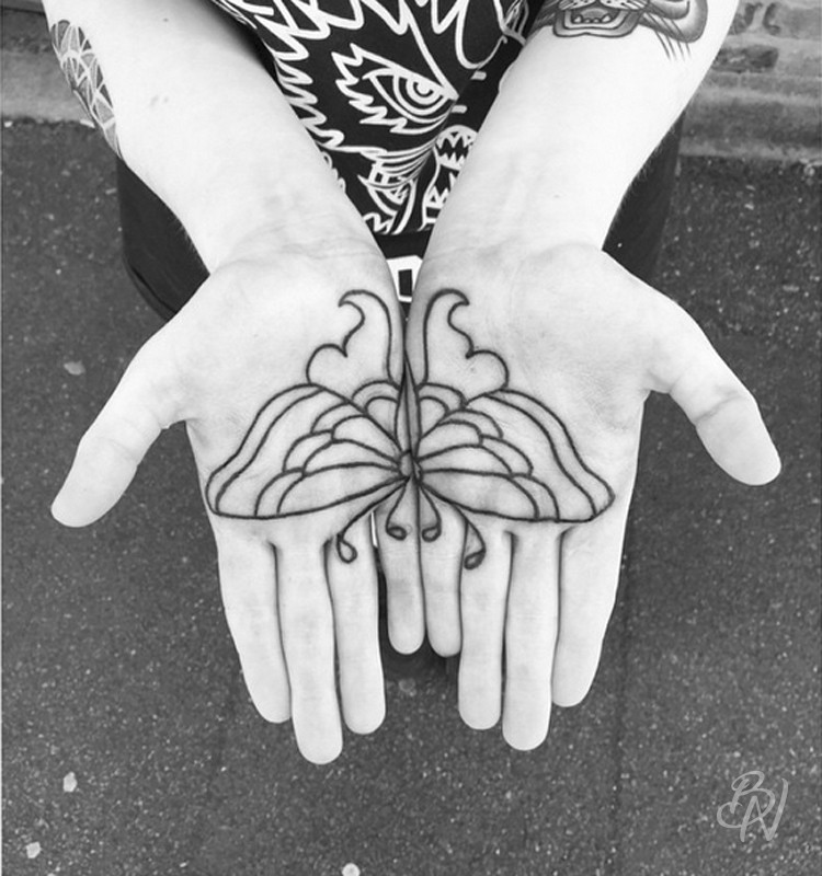 Bleu-noir-paris-tattoo-artshop-abbesses-Lilly-anchor-07