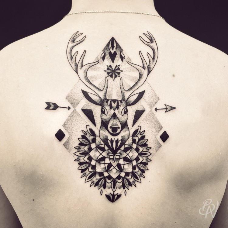 Bleu-Noir-tattoo-art-shop-Paris-Abbesses-Violette-04-