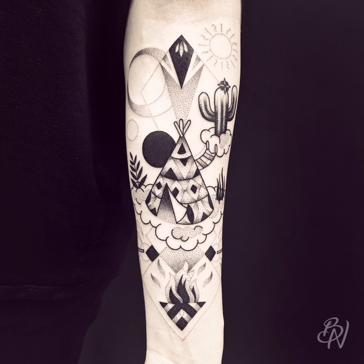 Bleu-Noir-tattoo-art-shop-Paris-Abbesses-Violette-06-