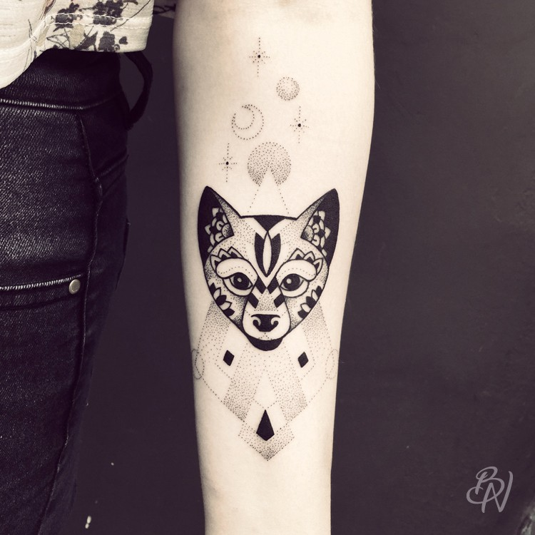 Bleu-Noir-tattoo-art-shop-Paris-Abbesses-Violette-10-