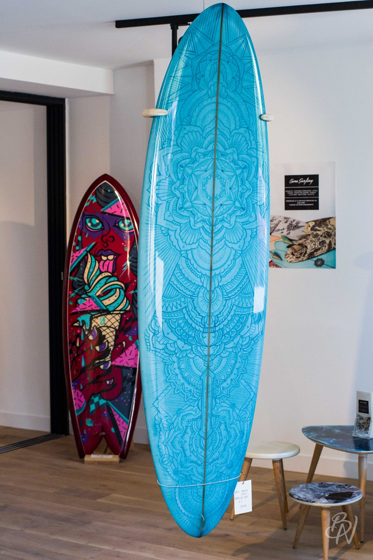 Bleu-noir-biarritz-board-tattoo-art-shop-gone-surfing-02