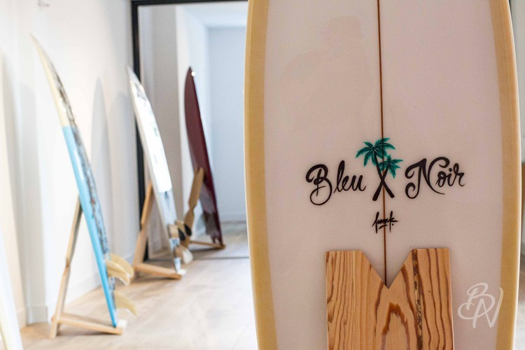 Bleu-noir-biarritz-board-tattoo-art-shop-gone-surfing-09
