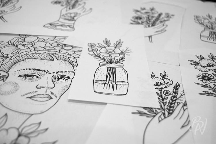 LillyAnchor-Bleu-Noir-abbesses-tattoo-art-shop-02