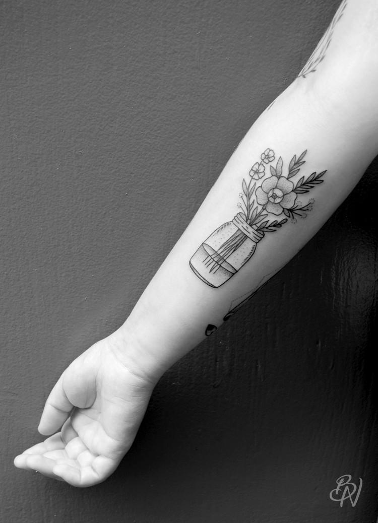 LillyAnchor-Bleu-Noir-abbesses-tattoo-art-shop-03
