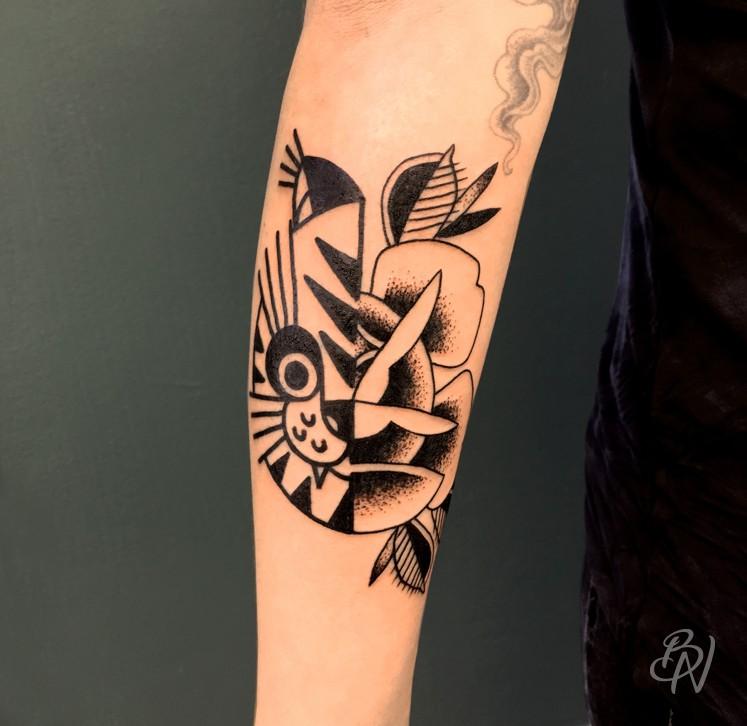 bleu noir tattoo