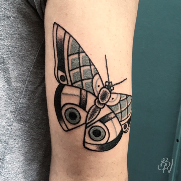 Gael bleu noir tattoo for Salon tattoo paris