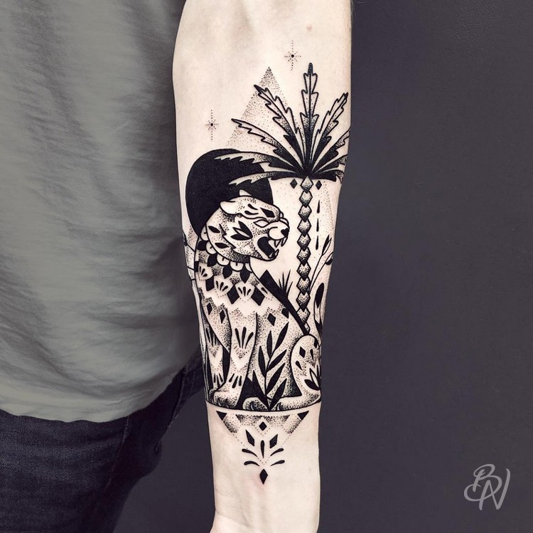Violette bleu noir tattoo for Salon tattoo paris