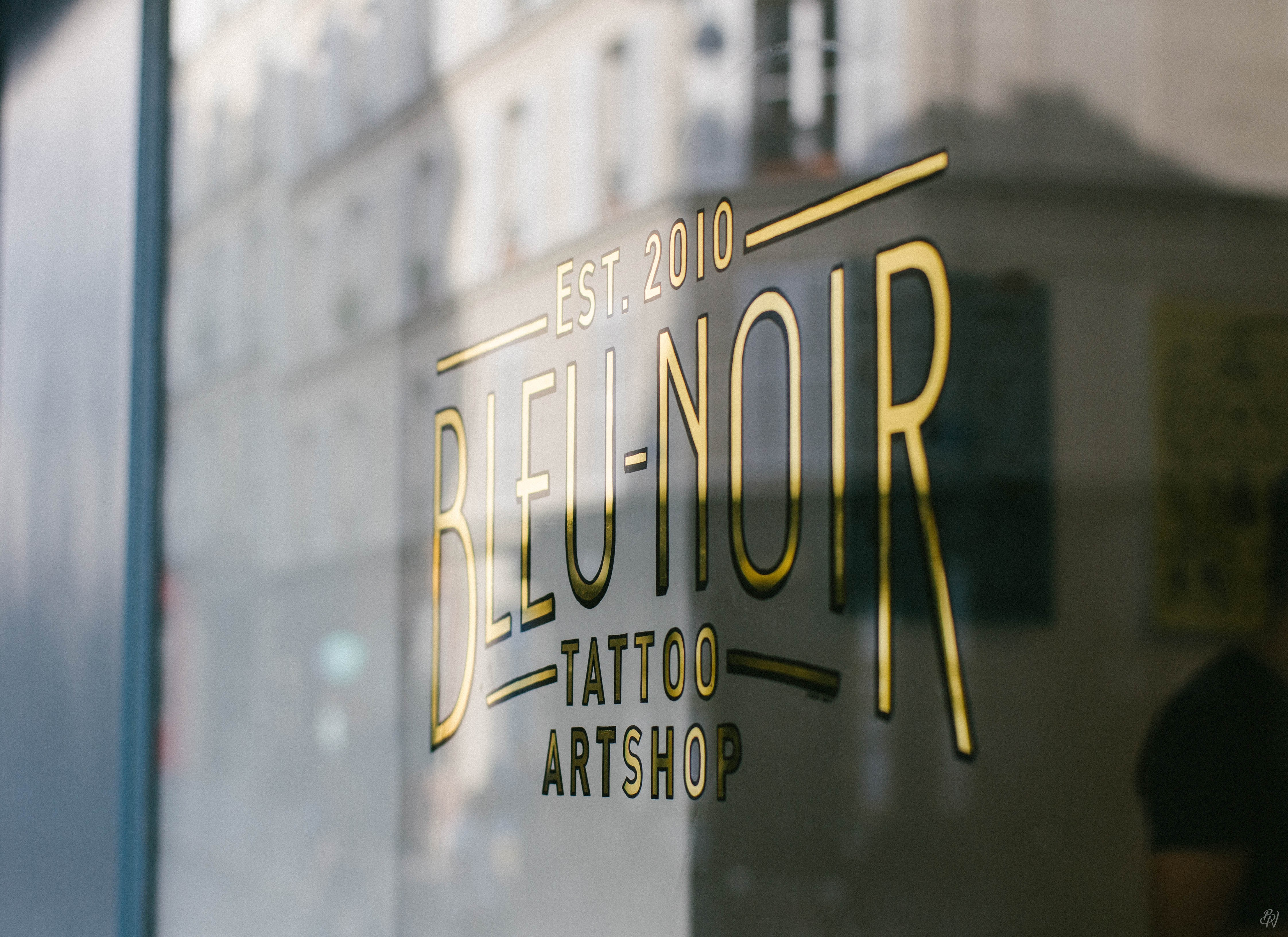 Bleu Noir Tattoo Les Abbesses Paris 18e